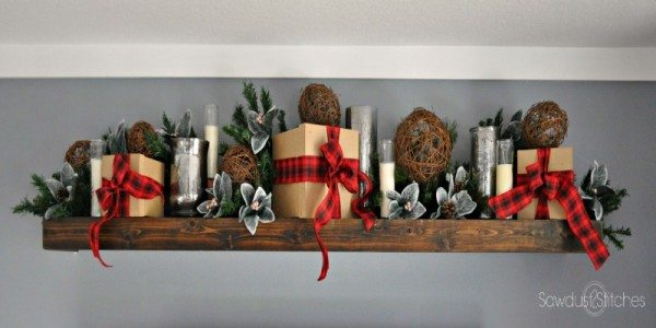 Deck the Halls Blog Hop – Christmas Vignette