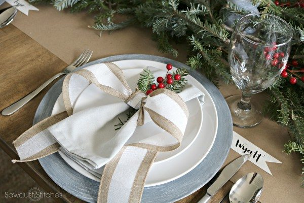 christmas-rustic-tablescape-by-sawdust2stitches-com