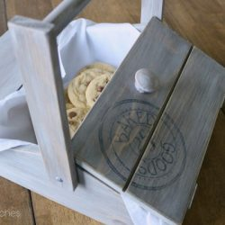 Dessert Carrier Pie Box by Sawdust 2 Stitches 14