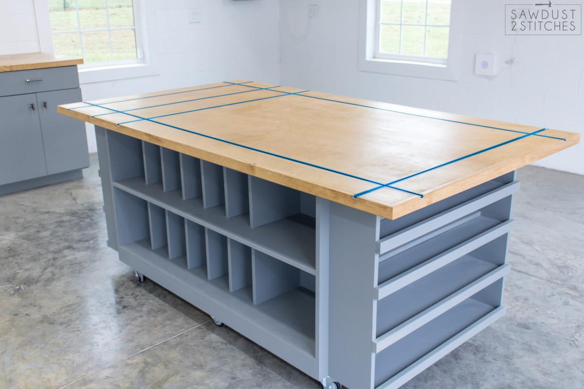 Workbench Storage Table Sawdust 2 Stitches