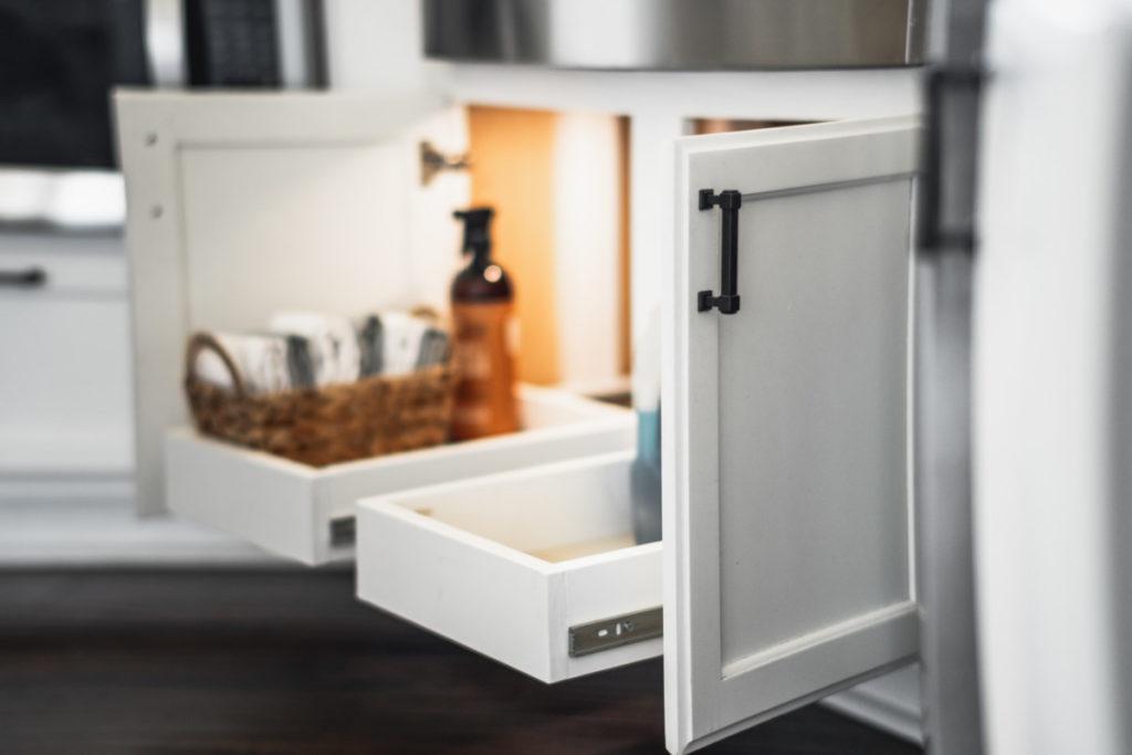 Under sink Pull out drawer storage